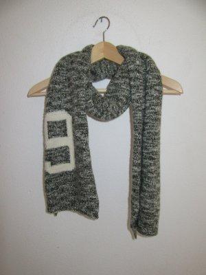 schöner Lacoste Schal