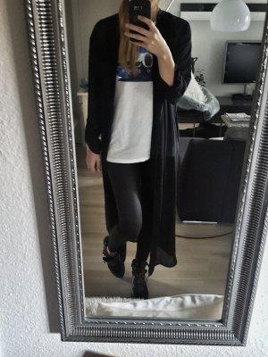 Schöner langer Mantel