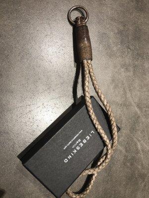 Schöner Leder-Schlüsselanhänger von Liebeskind
