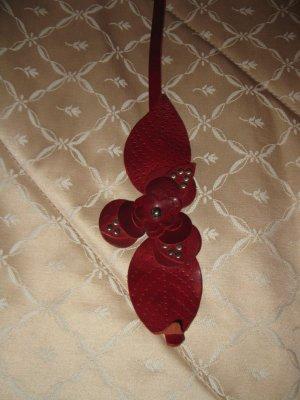 Schöner Ledergürtel in Rot mit Blütenmotiv, T95, Promod