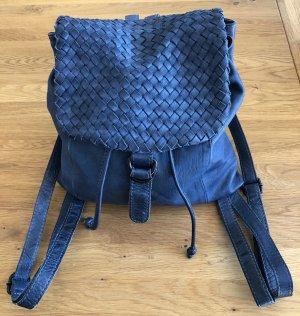 Schöner Lederrucksack im Marineblau. Tolle Größe. Sehr wenig getragen!