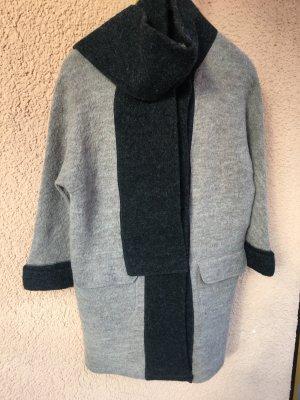 Schöner Mantel aus Wolle
