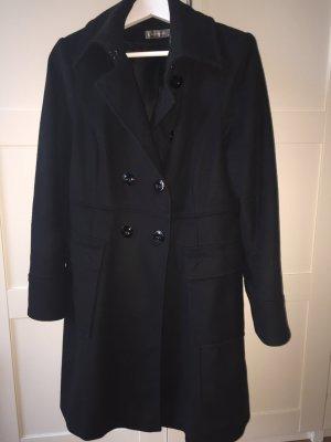 Schöner Mantel mit Cashmere