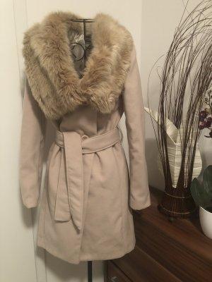 Schöner Mantel mit Pelzkragen/Gr.S