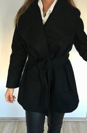 Schöner Mantel von Mango Suit Collection