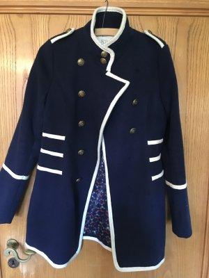 Schöner Matrosen Mantel in dunkelblau