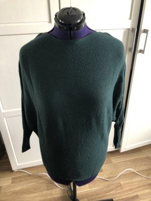 Schöner moosgrüner Pullover