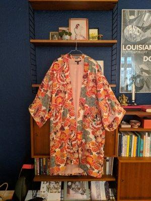 Schöner multi farbener Kimono
