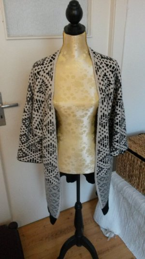Schöner neuwertiger Strick-Kimono