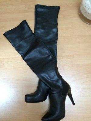 Schöner Overknee-HighHeel-Stiefel