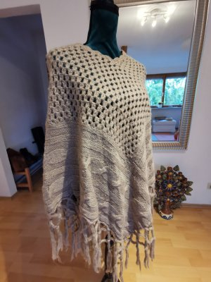 Knitted Poncho taupe