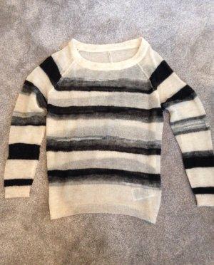 Schöner Pullover Gr. M von Guess