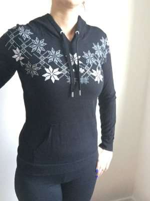 Schöner Pullover / Hoodie schwarz mit Wintersternen von only mit Kapuze