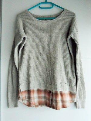 schöner Pullover mit Bluseneffekt von Hollister