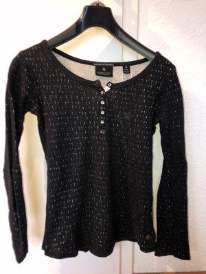 Schöner Pullover mit Sternmotiv