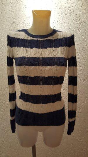 schöner Pullover von Aphorism