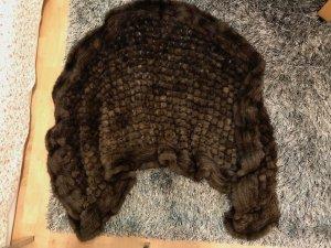 Schöner Schal aus Pelz