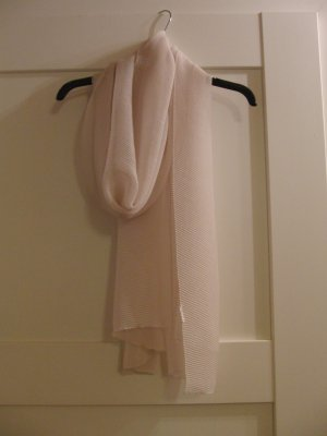 Schöner Schal - cremefarben