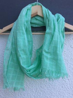 Schöner Schal in mint