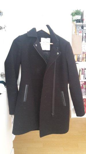 schöner schwarzer Mantel von Tom Tailor