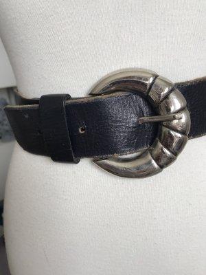 Schöner schwarzer Vintage-Ledergürtel