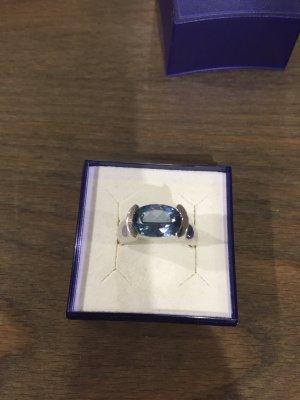 Schöner Silberring mit blauem Stein