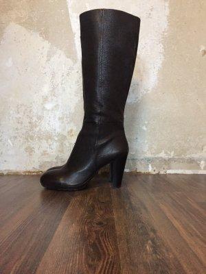 Schöner Stiefel aus Leder