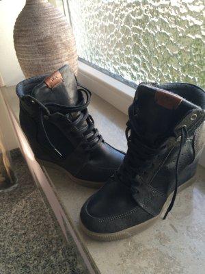 Schöner Stiefel mit keil Absatz von Sansibar