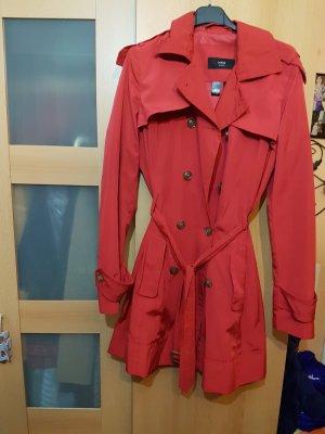 schöner Trenchcoat in Rot