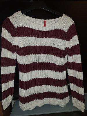 Schöner und warmer Pullover