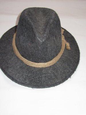 Sombrero de fieltro gris oscuro