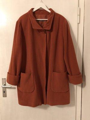 Schöner Vintage Mantel aus Schurwolle in rostorange von dibari