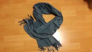 Schöner, warmer Schal