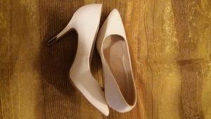 Schöner weißer eleganter Buisness Schuh mit silber Absatz