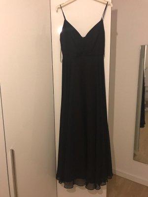 Schönes Abendkleid in schwarz mit Ausschnitt