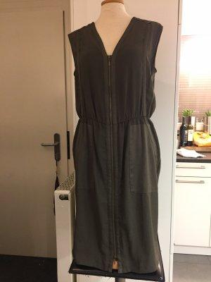 Schönes ärmelloses Kleid in kaki von Esprit