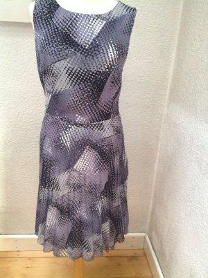 Schönes Armani Kleid
