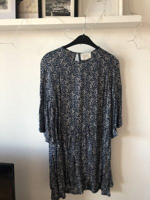 Schönes blau/weißes Kleid in S