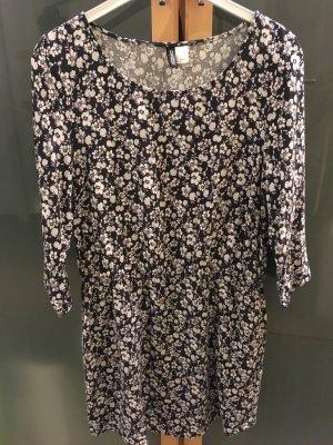 Schönes Blümchenkleid auch als Longbluse .