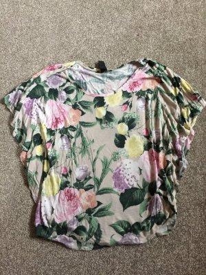 Schönes Blumen-Printshirt