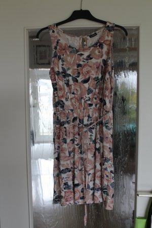 Schönes blumiges Sommerkleid, wie neu!