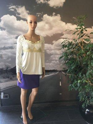 Schönes Blusenshirt mit Goldapplikationen von Apart