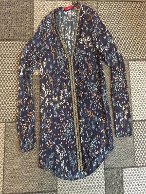 Schönes Blusenshirt mit silbernen Pailetten