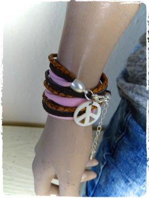 schönes Boho Leder Wickelarmband versilbert perlmutt aus Ibiza