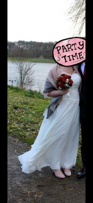 schönes Brautkleid zu verkaufen