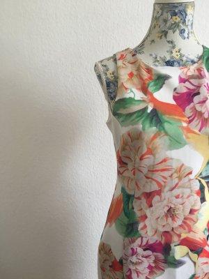 Schönes Cocktail Kleid mit Blumen - WOW Effekt