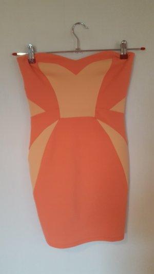 schönes enganliegendes Kleid