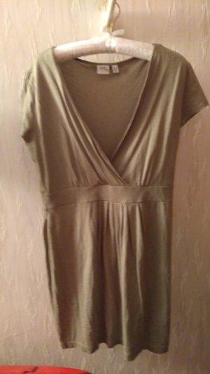 schönes Esprit Kleidchen