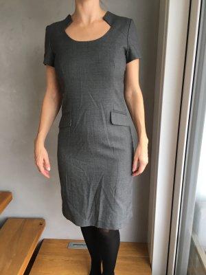 1.2.3 Paris Robe fourreau gris