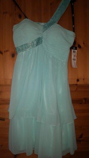 Schönes festliches Kleid